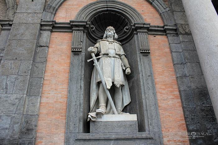 Танкред де Готвиль, первый король в Италии.